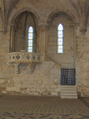 13th century pulpit in the refectory at the Cistercian Abbey of Royaumont